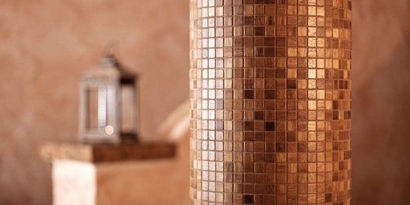 Nová koupelna? Zvolte dřevěné obklady do koupelny a vybírejte zširoké nabídky barev, vzorů i materiálů