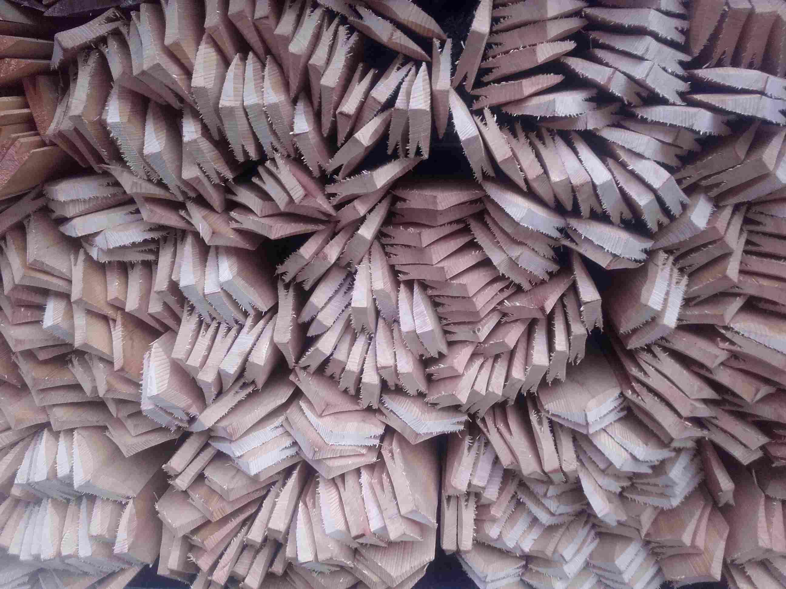 Drdlík- vyřezávané špičky na obklad stěn dřevěným šindelem
