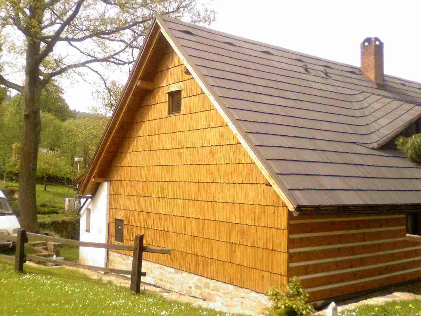 Drdlik- obklad stěn dřevěným šindelem