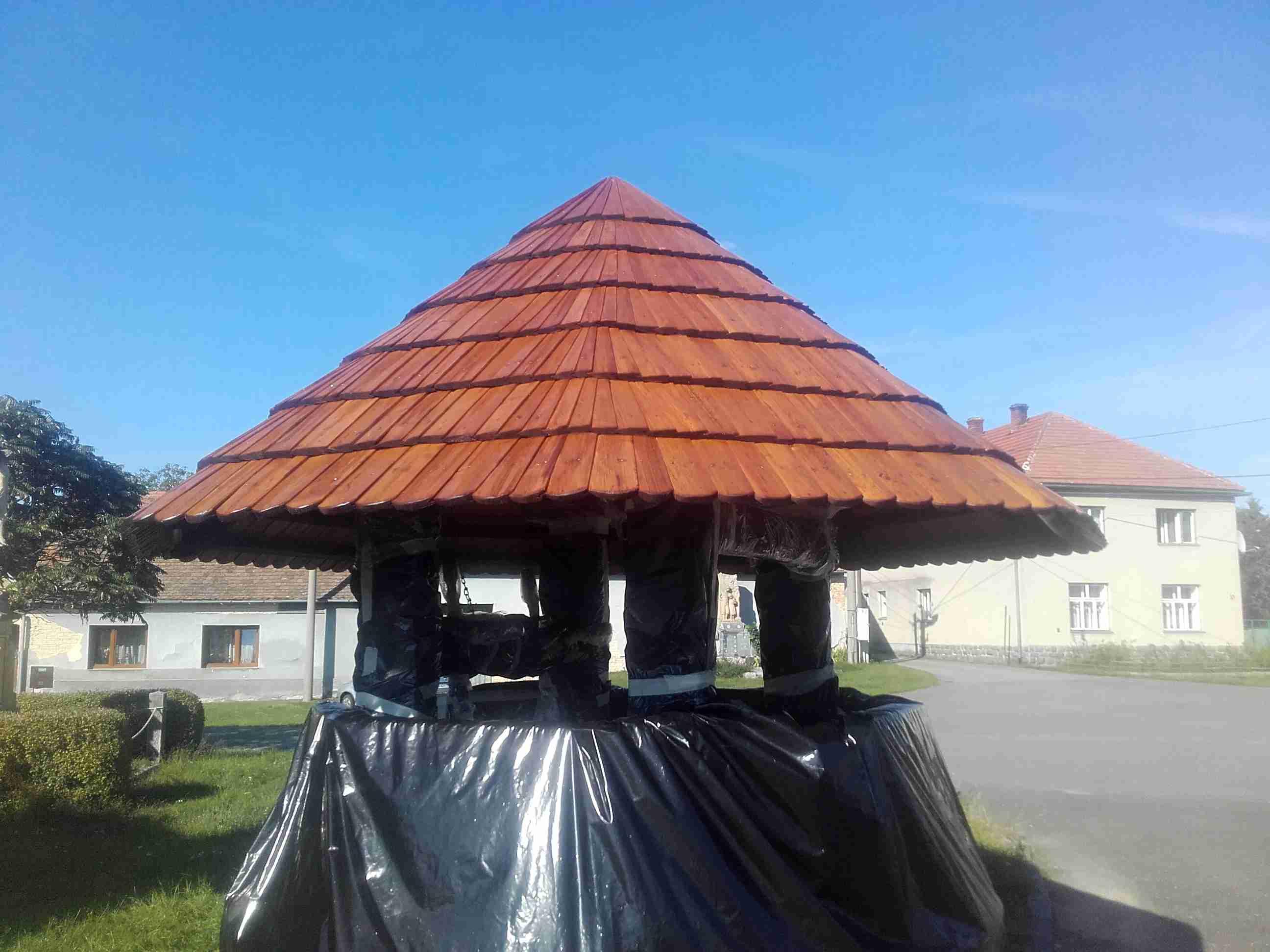 Studna- dřevěný šindel