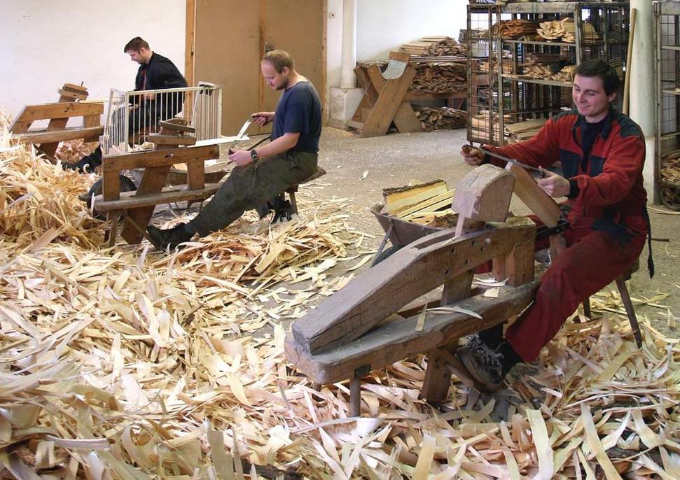 Výroba dřevěného šindele štípaného, drdlík